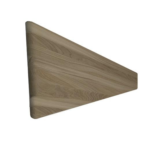 Ступень забежная из дуба 1000 мм. Глубина шага зависит от параметров каркаса лестницы. Изготовлена из цельноламельного массива (щита) дуба толщиной 40 мм.