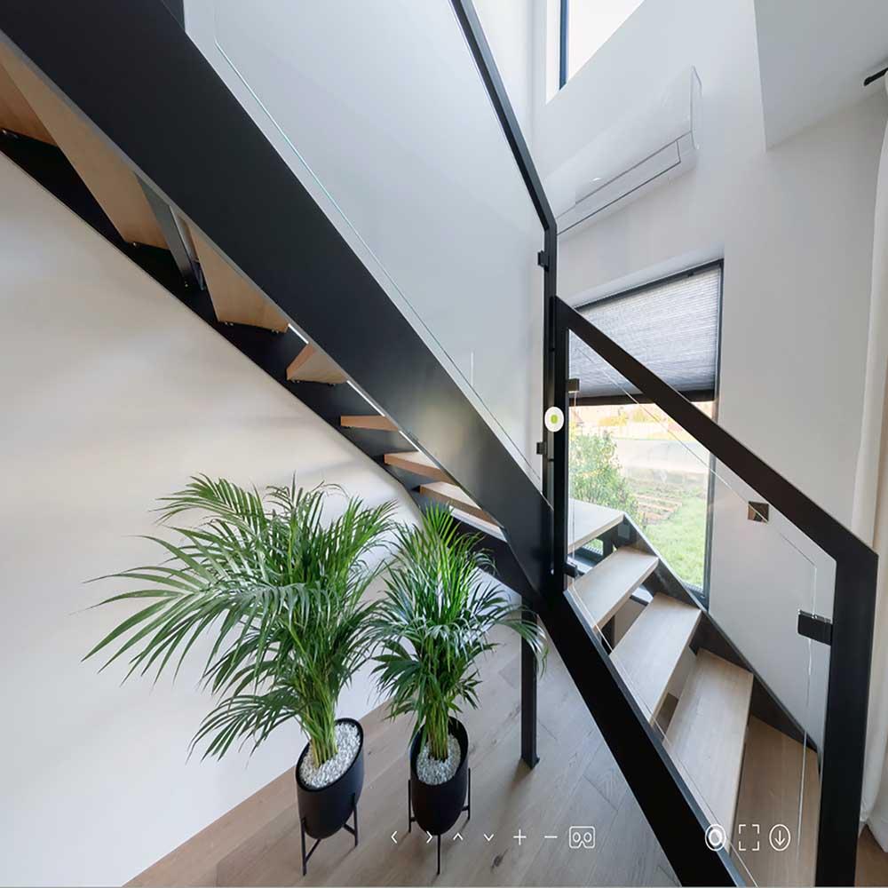 Стеклянное ограждение лестницы, балкона, веранды, баллюстрады, террасы
